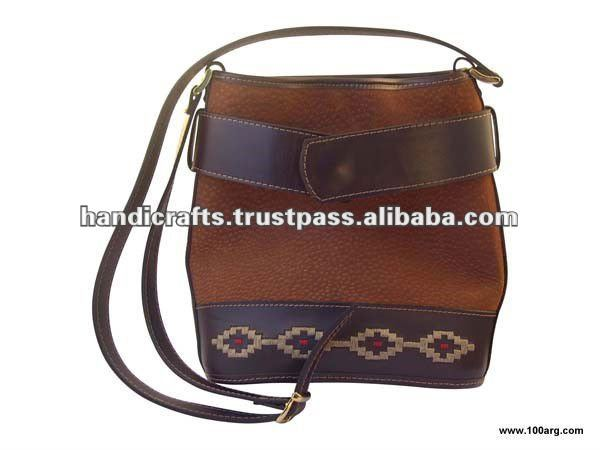 HANDBAG IN CAPYBARA, LEATHER AND PAMPA DESIGN 'BINCHA'