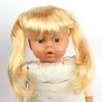 2015 New Arrival Hot selling 100% Polyester cheap long curly blonde babi doll wig