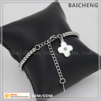 Best wish stainless steel bracelet Small Silver clover charm bracelet A string of beads Bracelet