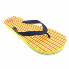China wholesale customised pe material thong for mens flip flops with simple design printing outdoor beach walk slipper shoes