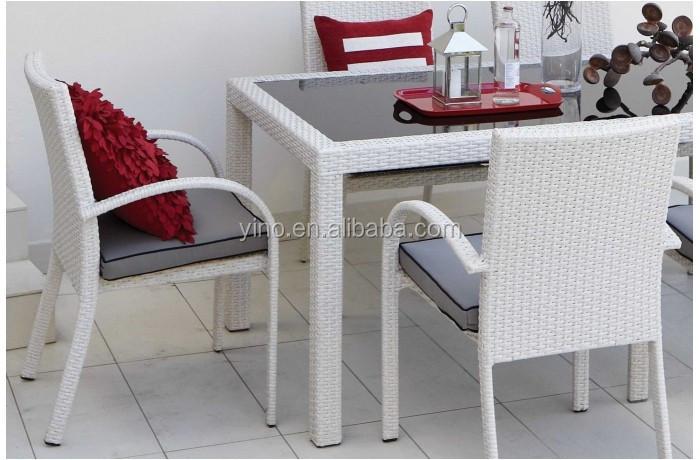 einen monat verkauf moderne k chenm bel rattan esstisch set mit rz1697 st hle set im garten. Black Bedroom Furniture Sets. Home Design Ideas