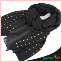 Muslim Lady Black Polyester Sequin Scarf