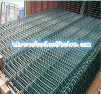 Fence factory hot sale PVC coated wire fence/metal fence for commercial district