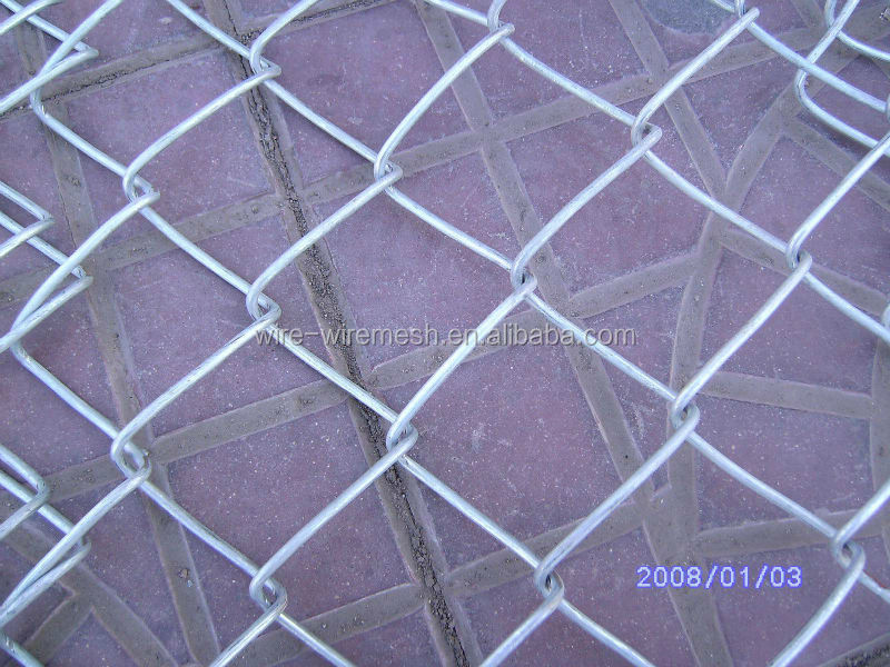 2014 Factory Powder Coated /Galvanized Chain Link Fence Wholesale