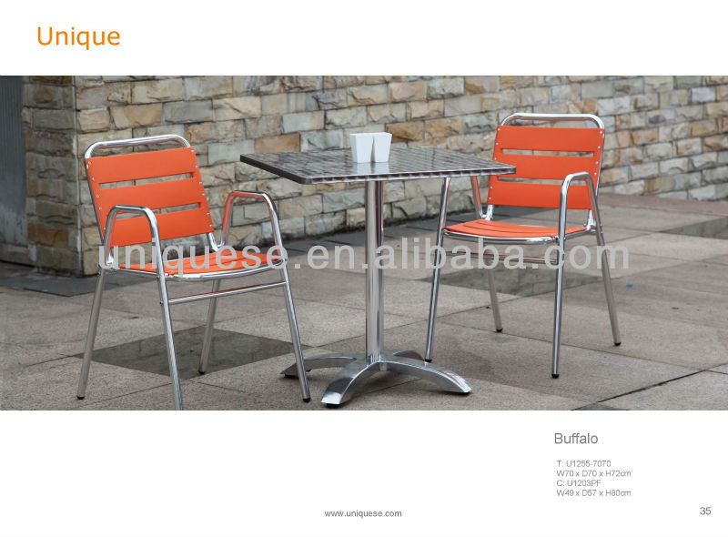 Hamilton table Alum plastic chair orange chairs