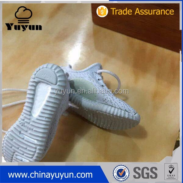 hot selling new 3d yeezy 350 v2 jordan sneaker shoe keychain
