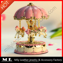 Polyresin+glass music box 120mm rotating horse water globe Pull string music box MLMB 005