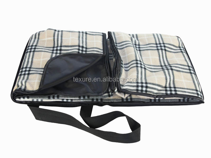 Easy carry wholesale tartan waterproof outdoor picnic blanket tote with pocket