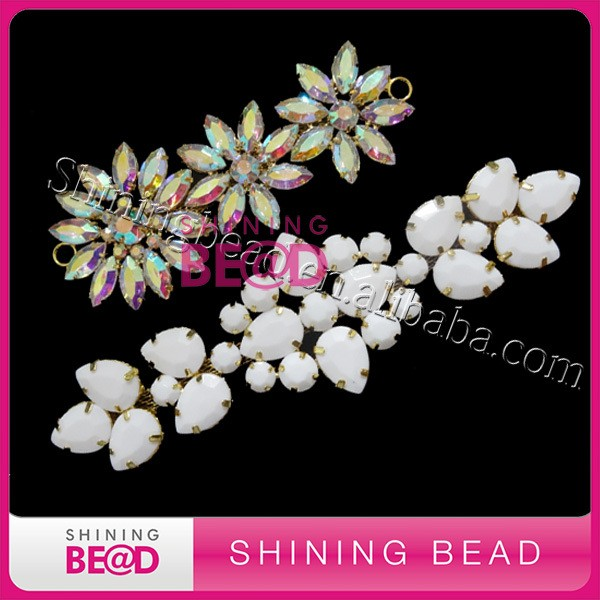 Alibaba china supplier flat back AB color acrylic rhinestone bikini buckle three flower shape