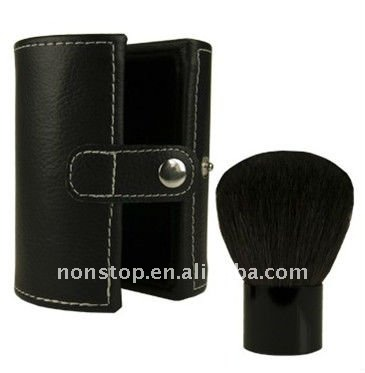 Blush Professional Kabuki Brush With Case