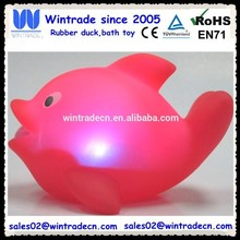 LED flashing water dolphin light toy/plastic bath dolphin