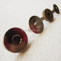 Magnet button for bags and clothes