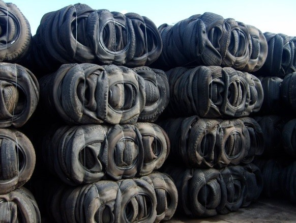 BHN1049D1511 Scrap Tyres Bales & Shred 1000 MT scrap tires for sale