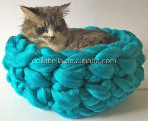 100% wool cat house knitted pet bed/nest