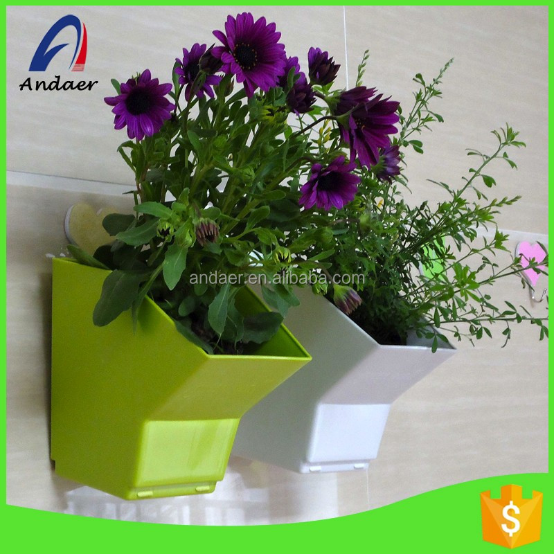 Outdoor decoration,wall hanging with metal clasp,house decoration PP plastic flower pot