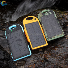 Waterproof Portable Charger RoHS 5000mAh Universal Solar Power Bank with Carabiner