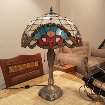 Cheap decorative tiffany style table lamp with beautiful shades