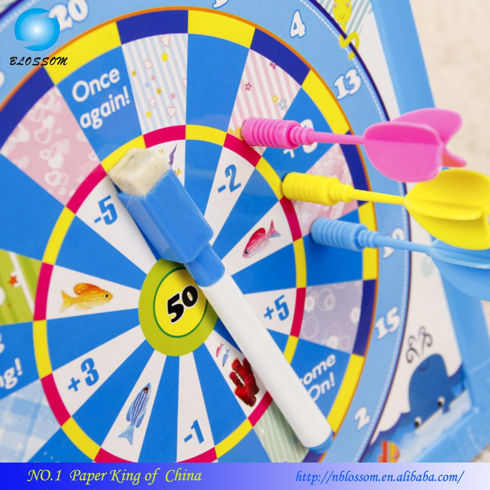 2017 Hot Selling EN71 Cheap price magnetic kid's darts board game with drawing white board darts toy