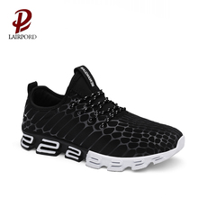 2018 newest hot sale fashion black color mesh sealing up sport sneakers shoes for men