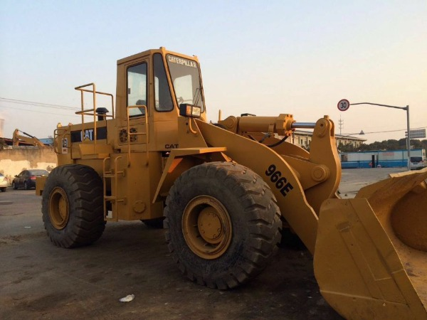Convenient Operation Japanese Used Wheel Loader 966E For Sale Good Price