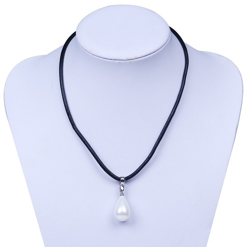 Natural Mother of Pearl Shell Pendants Bijoux Women Leather Chain Necklaces