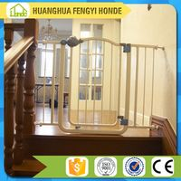 Pet Safety Gate/ Gates & Pens