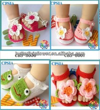 Cute hand crochet baby shoes Fashion crochet knitting baby shoes Flower crochet baby girls shoes
