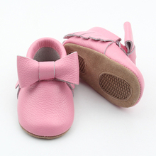 Pink baby moccasins made in china with high quality cheap price