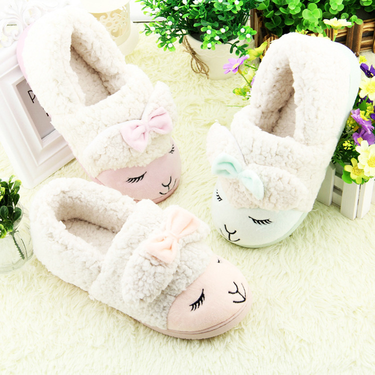 The new winter 2015 household shoes antiskid household shoes Warm cotton cartoon sheep shoes Free shipping