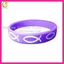 Promotional impressive artwork beautiful fancy colorful customized engraved debossed logo silicon bracelets for Christian