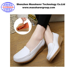 Wholesale Light Weight Flat White Leather Nurse Shoes With Wedge Heels Women Casual Shoes