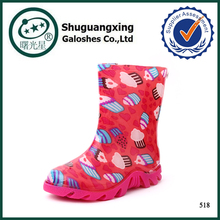 Wholesale fashion rain boots with red transparent rubber kids rain shoes