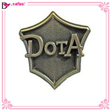 Custom logo gunmetal plated brooches make cheap metal brooch