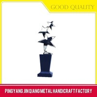 Promotional customized eagle trophy for company
