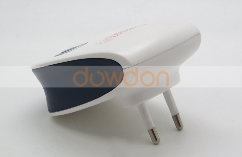 Household Smellless Flavorless Effective Pest Killer Mosquito Repeller WIth Plug Support OEM ODM