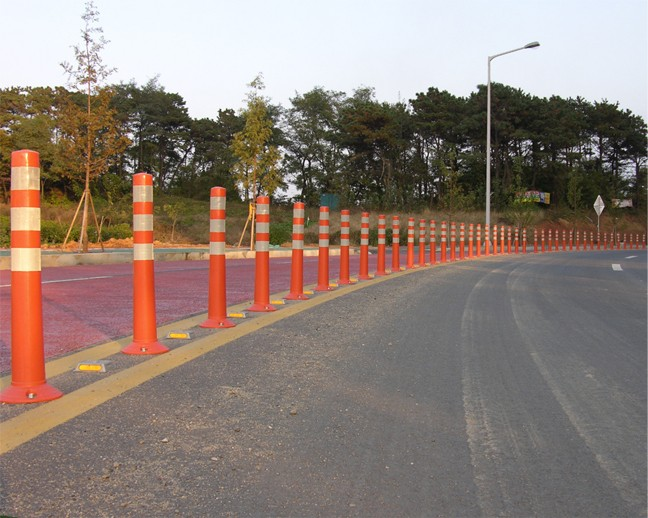 Plastic bollard rubber base removable spring post bollards