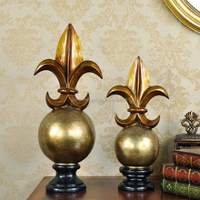 Europe Sign Resin Gold Fleur-de-Lis Flower Handicrafts With Gold Brass Handicrafts Home Decor Items Folk Arts Supplier