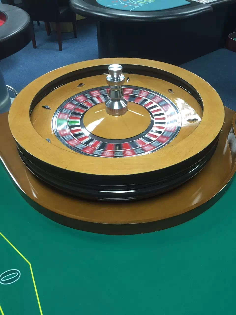 two colors roulette wheel of solid