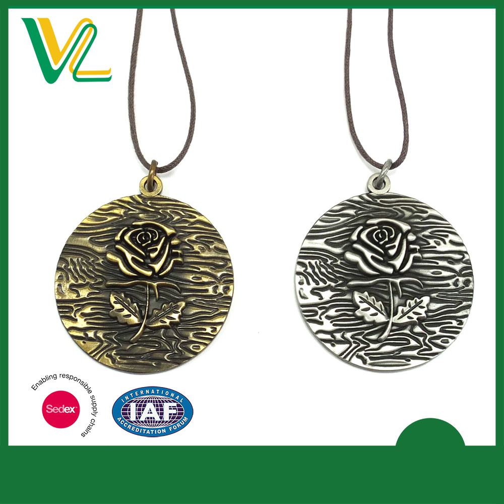 Tailor made trendy Die casting Anti-Gold Coin Souvenir Rose Pattern Cotton Rope Necklaces Pendant for lady