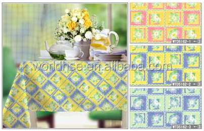Elegant shape Colorful Plastic Table cloth