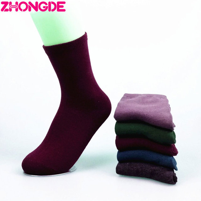 Hot sale 2017 cotton nice mens purple dress socks