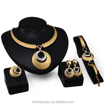 18K Gold plated Dubai Gold Jewelry Set Wedding Fashion Women Necklace And Earring Set 4 Pieces SKJT0260