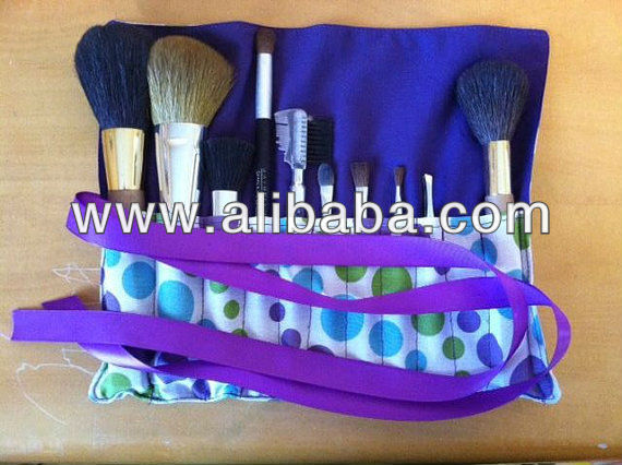 Purple Polka Dot Make-up Brush Roll