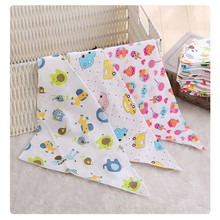 2017 hot selling multi styles 100% cartoon cotton interlock soft baby bibs
