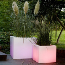 Outdoor illuminated led colorful flower pot/ new design plastic cooler lighted planter pots