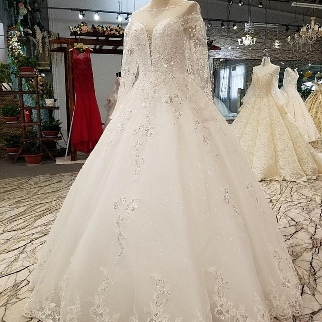 LS01559 Real sample long sleeve wedding dress diamond white beach bride dress