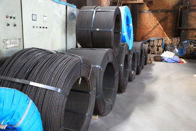 Hot sale 1760MPA tensile low relaxation prestressed steel strand