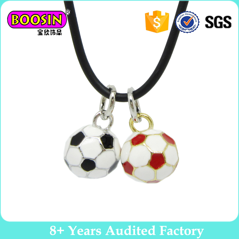 China Factory Wholesale Metal Alloy enamel soccer pendant jewelry necklace sport charms