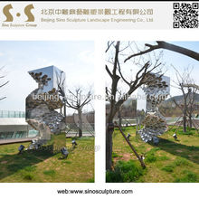 mirror polished stainless steel sculpture