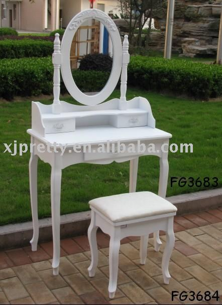 WOODEN FURNITURE_PRETTY DRESSING TABLE